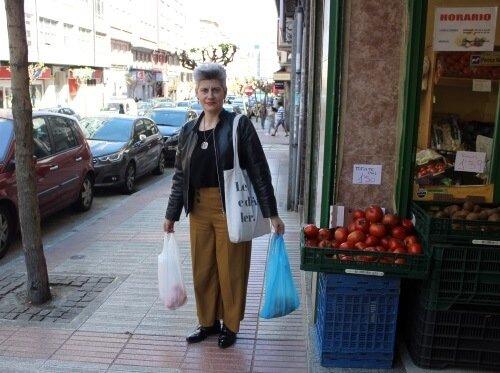 Mercedes Queixas Zas, de compras nos Mallos