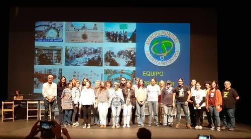 Colectivos participantes en el lanzamiento de la 2ª Marcha Mundial por la Paz y la Noviolencia en A Coruña