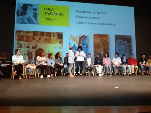 La pintora Lola Saavedra, en el lanzamiento de la 2ª Marcha Mundial por la Paz y la Noviolencia en A Coruña
